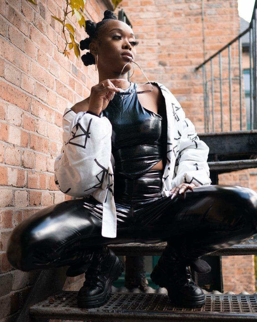 Trayc Selasi - Somebody