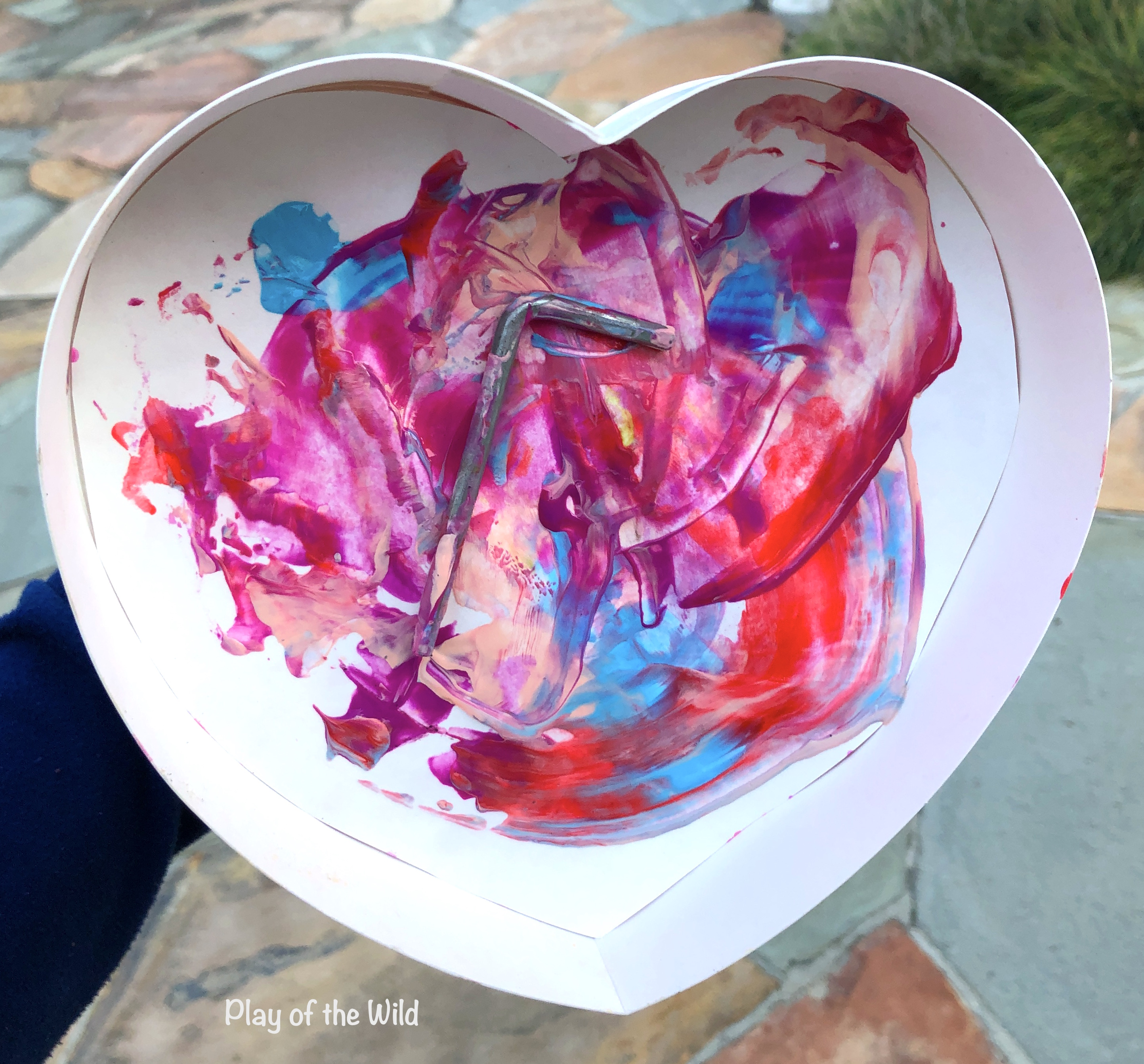 Valentines STEM Art Projects for Toddlers and Kids. magnet painting.
