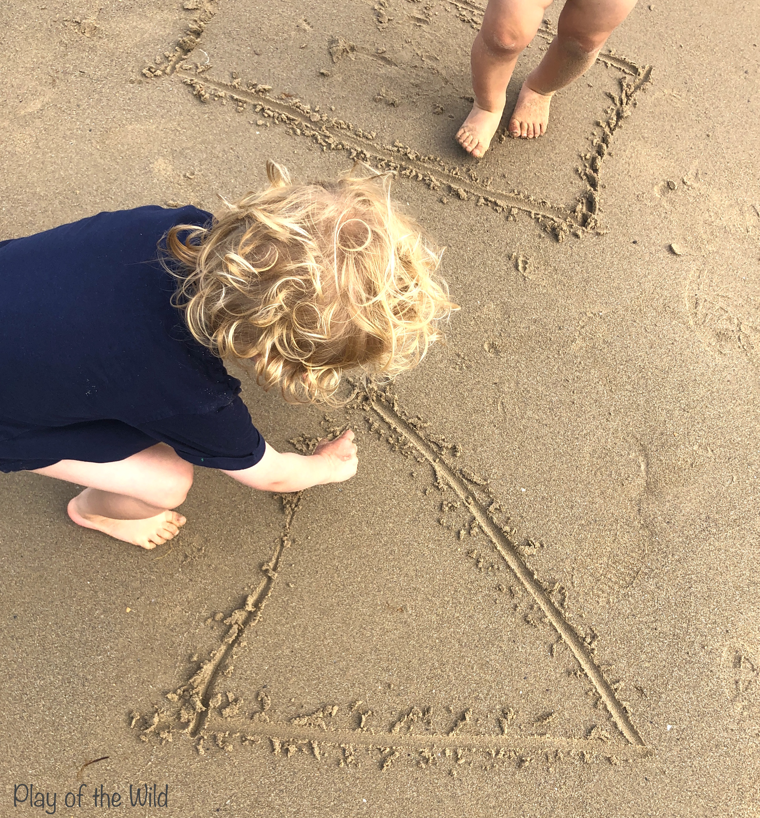 making shapes in sand. shapes for eyfs