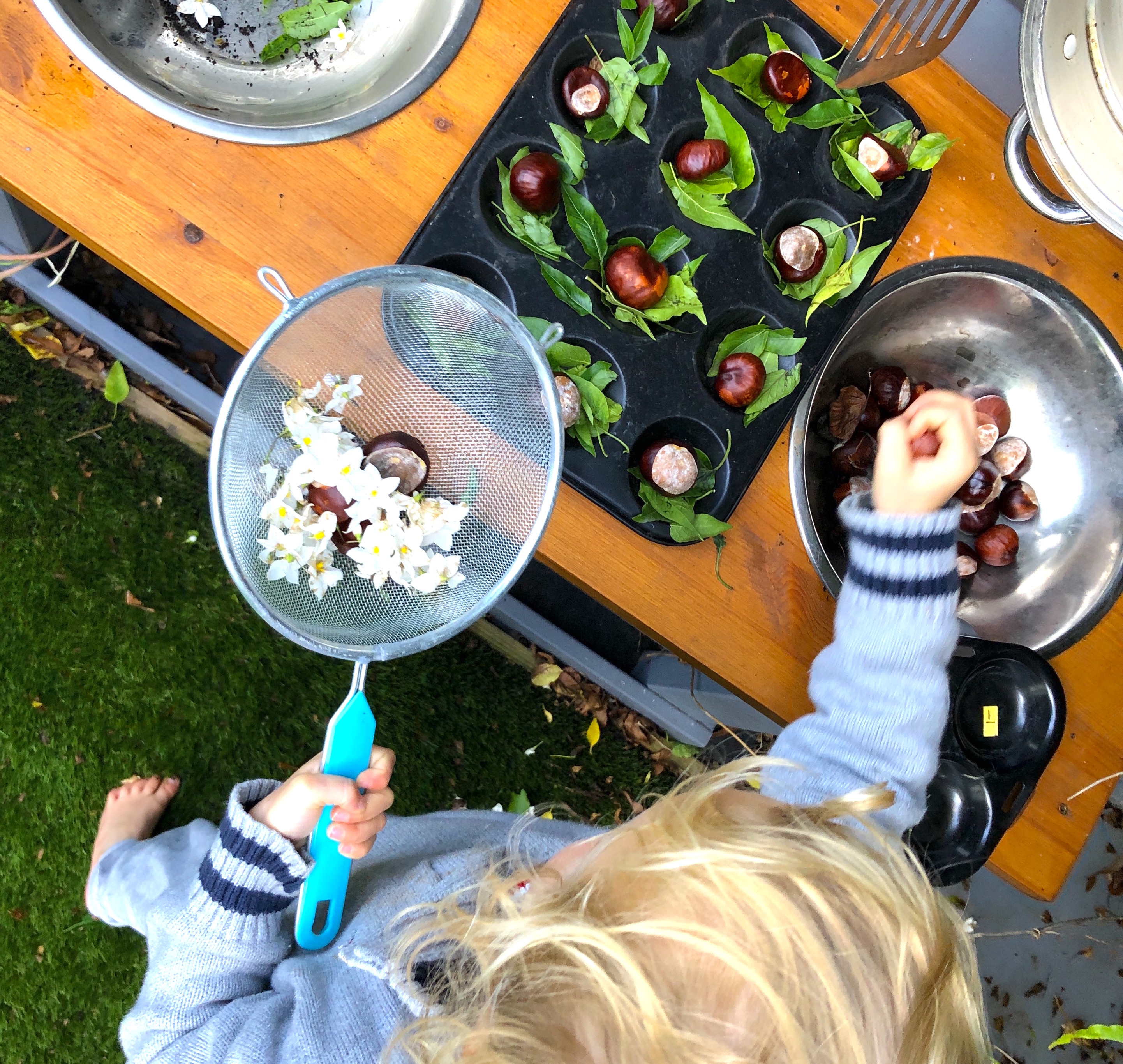 Play learn toys. mud kitchen for imaginitive play and maths