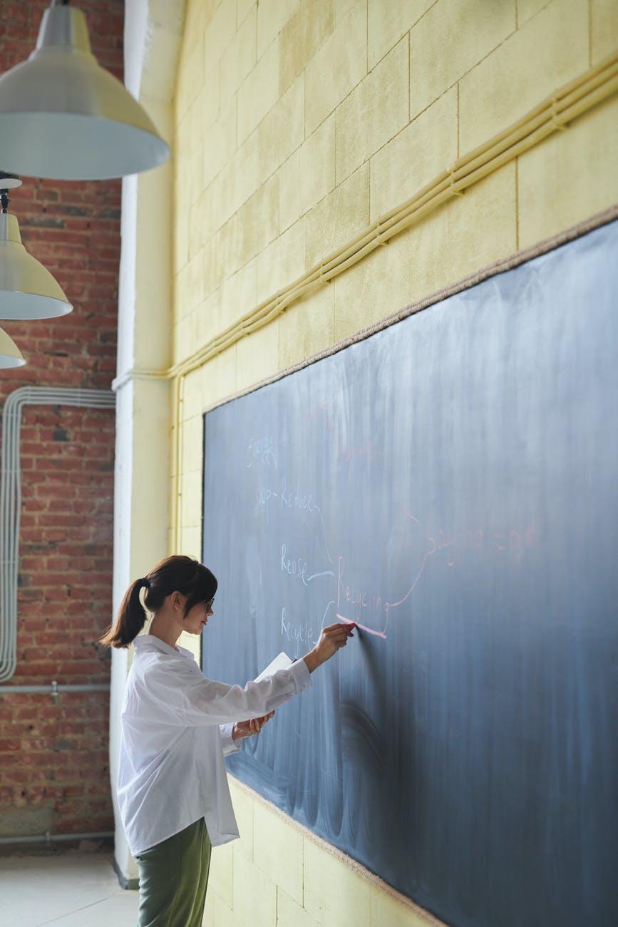 How to teach children to write a sentence. How to teach your child to write sentences. Learning to write sentences.