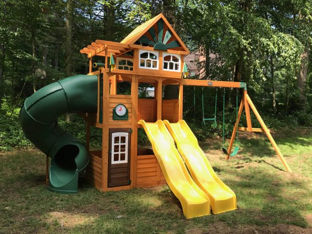 Cedar Summit Spring Valley Deluxe Playset