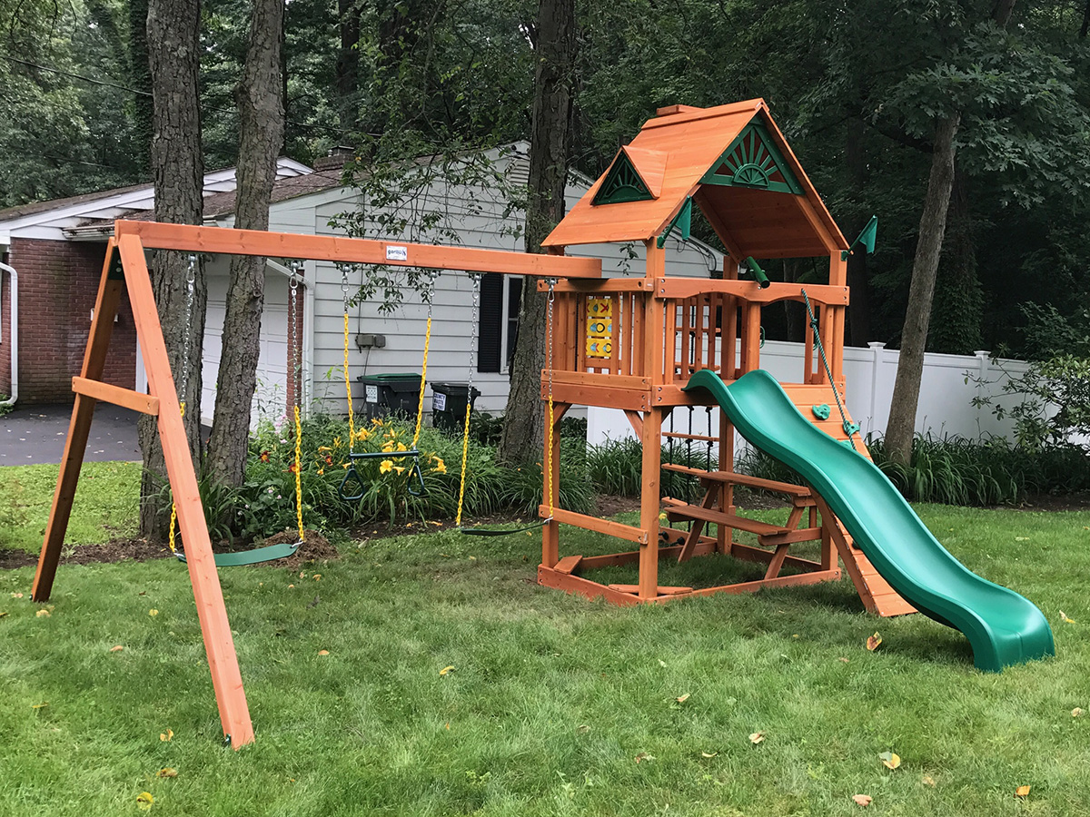 Gorilla Chamberlain Swing Set Installation