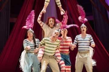 Hetty Feather Duke of York Theatre 03