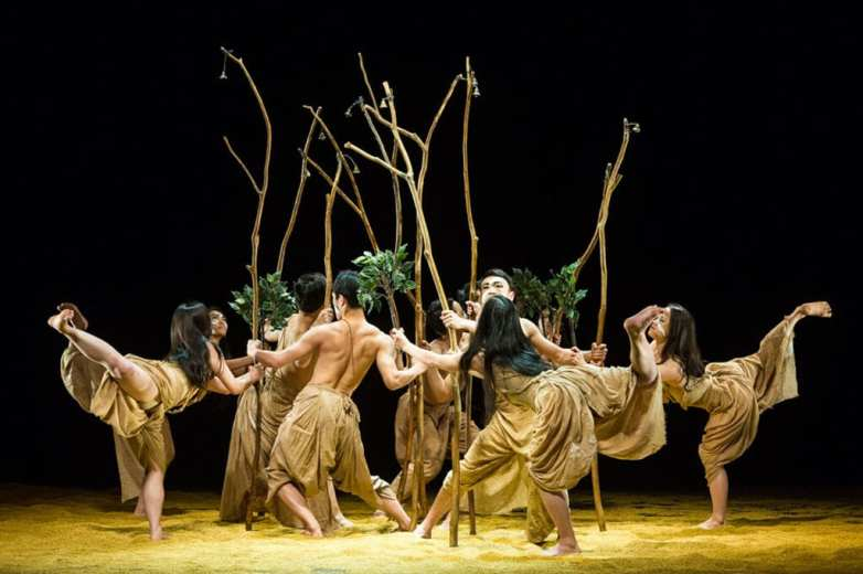Cloud Gate Dance Theatre of Taiwan — Songs of the Wanderers Sadler's Wells
