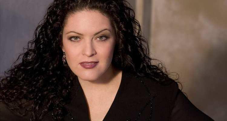 Kirstin Chavez