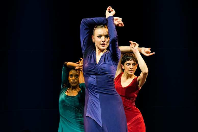 review dotdotdot dance wild card sadlers wells
