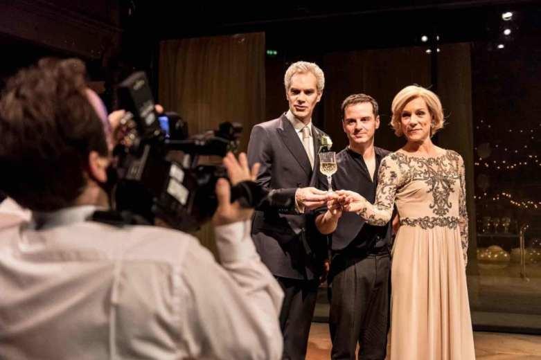 Hamlet Almeida Theatre. Photo Manuel Harlan