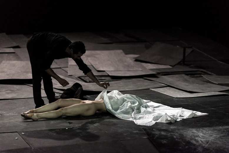 THE GREAT TAMER by Dimitris Papaioannou_photograph byJulian Mommert