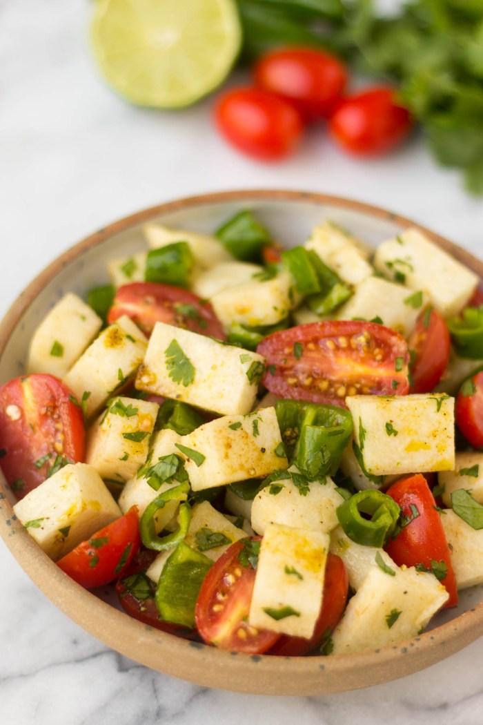 tomato jicama salad + 6 more farmer's market recipes | healthy recipes, farmer's market produce, fresh recipes, summer food |