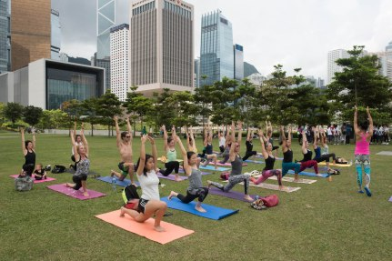20150502 - Cora Tamar Park Yoga II - 121