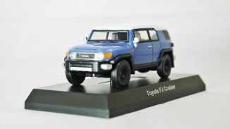 1-64 Kyosho TOYOTA FJ Cruiser Blue 02