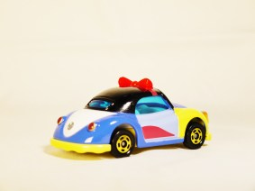 TOMICA-Disney-Princess-Snow_White-Poppins Beetle-Blue-6