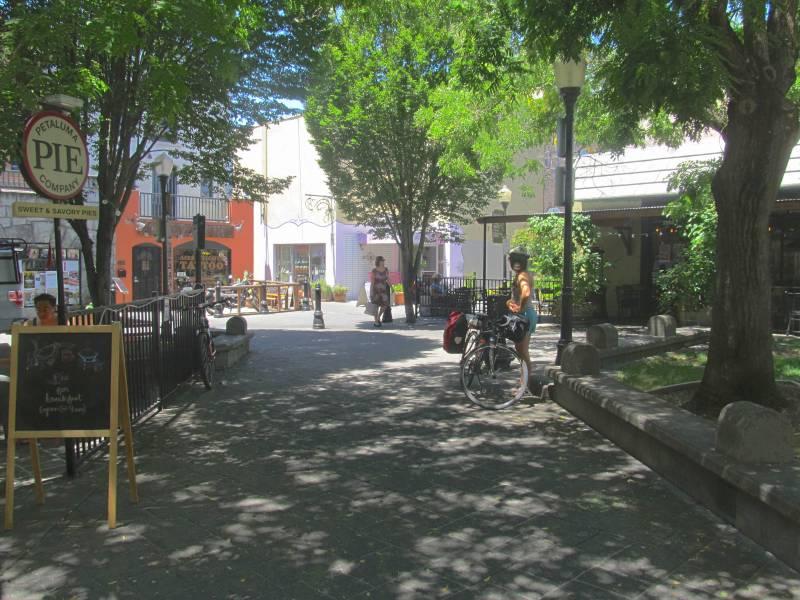 Putnam Plaza end