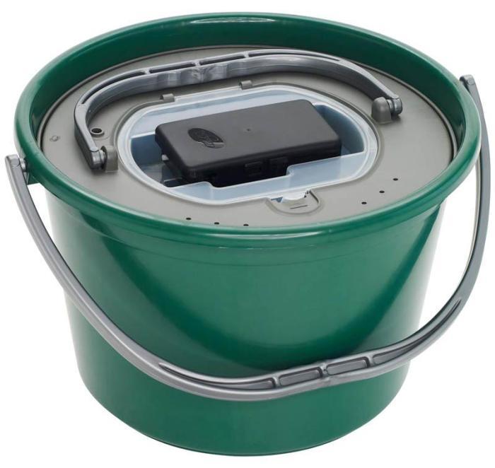 cubo para peces vivos plastilys verde con oxigenador