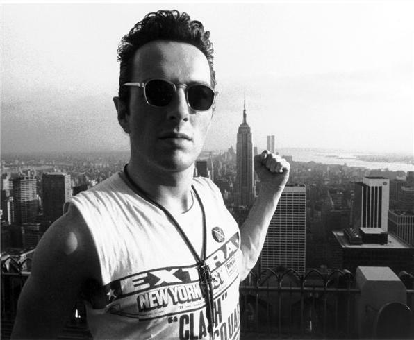Joe Strummer, 1981 - Photo by Bob Gruen