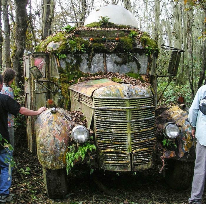 Further: A parked bus gathers moss. Jason Johnson, photo. Courtesy of FurthurDownTheRoad.org