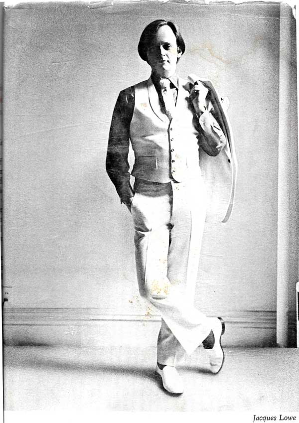 Tom Wolfe - Dust jacket author's photo from thefirst edition of The Electric Kool-Aid Acid Test.Photo was taken by Jacques Lowe