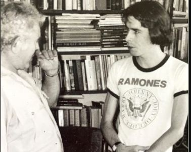 Norman Mailer and Legs McNeil. Photo by Victor Bockris.