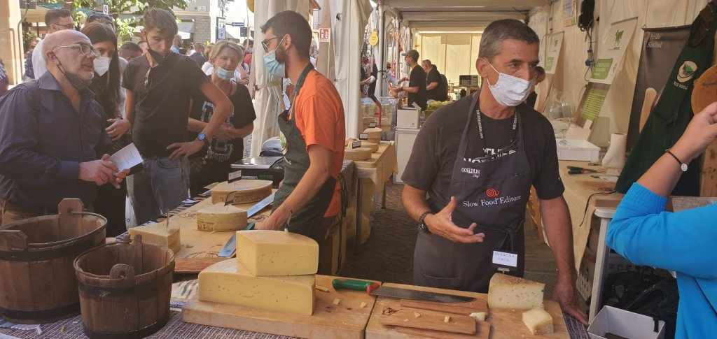 Please The Palate Pick of the Week: International Cheese Festival by Slow Food In Bra, Piemonte, Italy