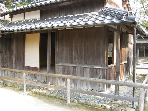 松下村塾裏側の控えの間の写真