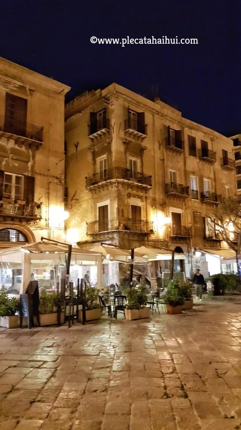 Cafenea în centrul orașului