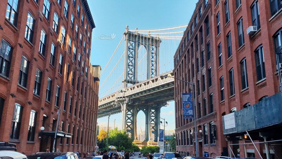 view Williamsburg Bridge from Brooklyn