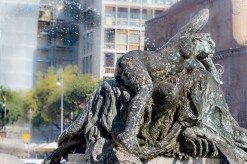 La fontaine de le Naladi Place de la République.
