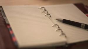 100冊の手帳を手に取ってためし書きできる人気イベント「手帳100冊!書き比べ総選挙!!」が開催中