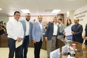 Oscar Vega por el PAN para la gubernatura se registró este domingo ante el IEEBC
