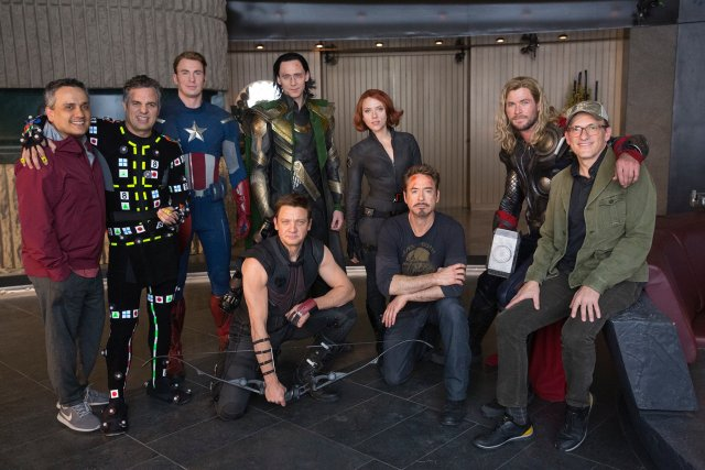 Nostalgia en el set de Avengers: Endgame (2019). Imagen: Russo Brothers Twitter (@Russo_Brothers).