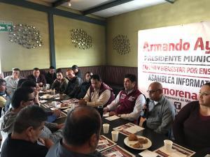 Salarios y equipamiento los temas durante reunión entre policías y Ayala Robles