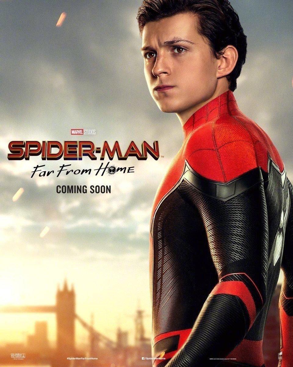 Peter Parker/Spider-Man (Tom Holland) en un póster de Spider-Man: Far From Home (2019). Imagen: ComicBook.com