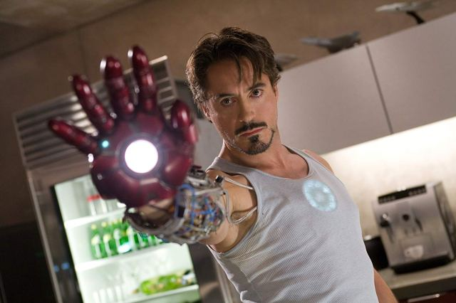 Robert Downey Jr. como Tony Stark en Iron Man (2008). Imagen: IMDb.com