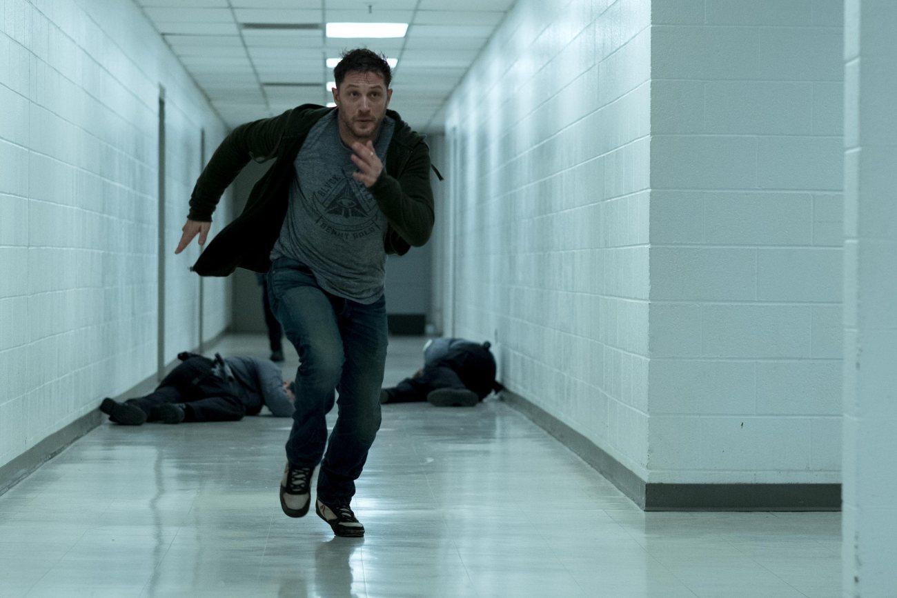 Tom Hardy como Eddie Brock en Venom (2018). Imagen: Frank Masi/Columbia Pictures