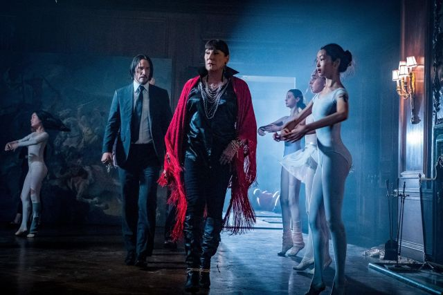 Keanu Reeves y Anjelica Huston en John Wick: Chapter 3 – Parabellum (2019). Imagen: Niko Tavernise/Lionsgate