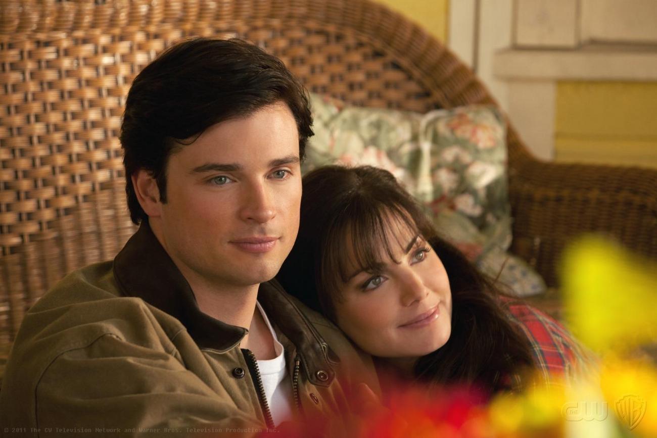 Clark Kent (Tom Welling) y Lois Lane (Erica Durance) en un episodio de la temporada 10 de Smallville (2001-2011). Imagen: SpoilerTV