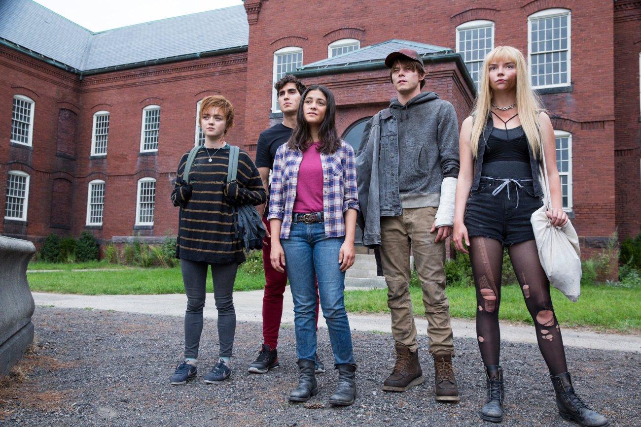 Maisie Williams, Henry Zaga, Blu Hunt, Charlie Heaton y Anya Taylor-Joy en The New Mutants (2020). Imagen: New Mutants Twitter (@NewMutantsFilm).