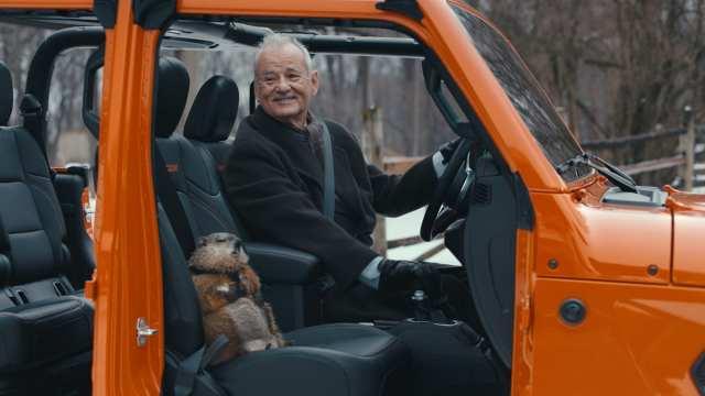 Punxsutawney Phil y Bill Murray como Phil Connors filmando el comercial de Jeep Gladiator 2020. Imagen: Fiat Chrysler