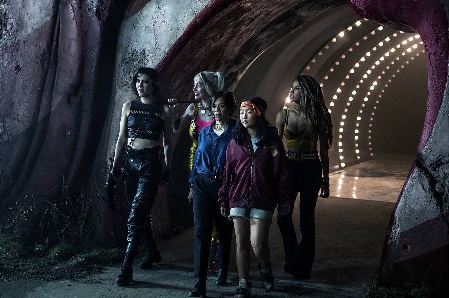 The Huntress (Mary Elizabeth Winstead), Harley Quinn (Margot Robbie), Renée Montoya (Rosie Pérez), Cassandra Cain (Ella Jay Basco) y Black Canary (Jurnee Smollett-Bell) en Birds of Prey (2020). Imagen: Claudette Barius