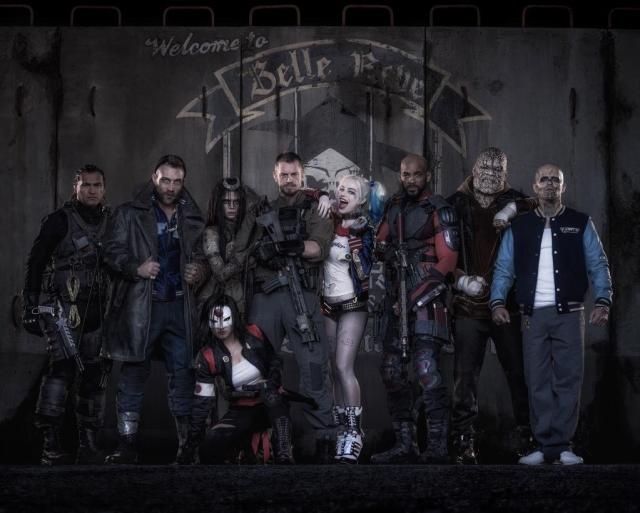 Slipknot (Adam Beach), Captain Boomerang (Jai Courtney), Enchantress (Cara Delevingne), Katana (Karen Fukuhara), Rick Flag (Joel Kinnaman), Harley Quinn (Margot Robbie), Deadshot (Will Smith), Killer Croc (Adewale Akinnuoye-Agbaje) y El Diablo (Jay Hernández) en Suicide Squad (2016). Imagen: Warner Bros. Pictures