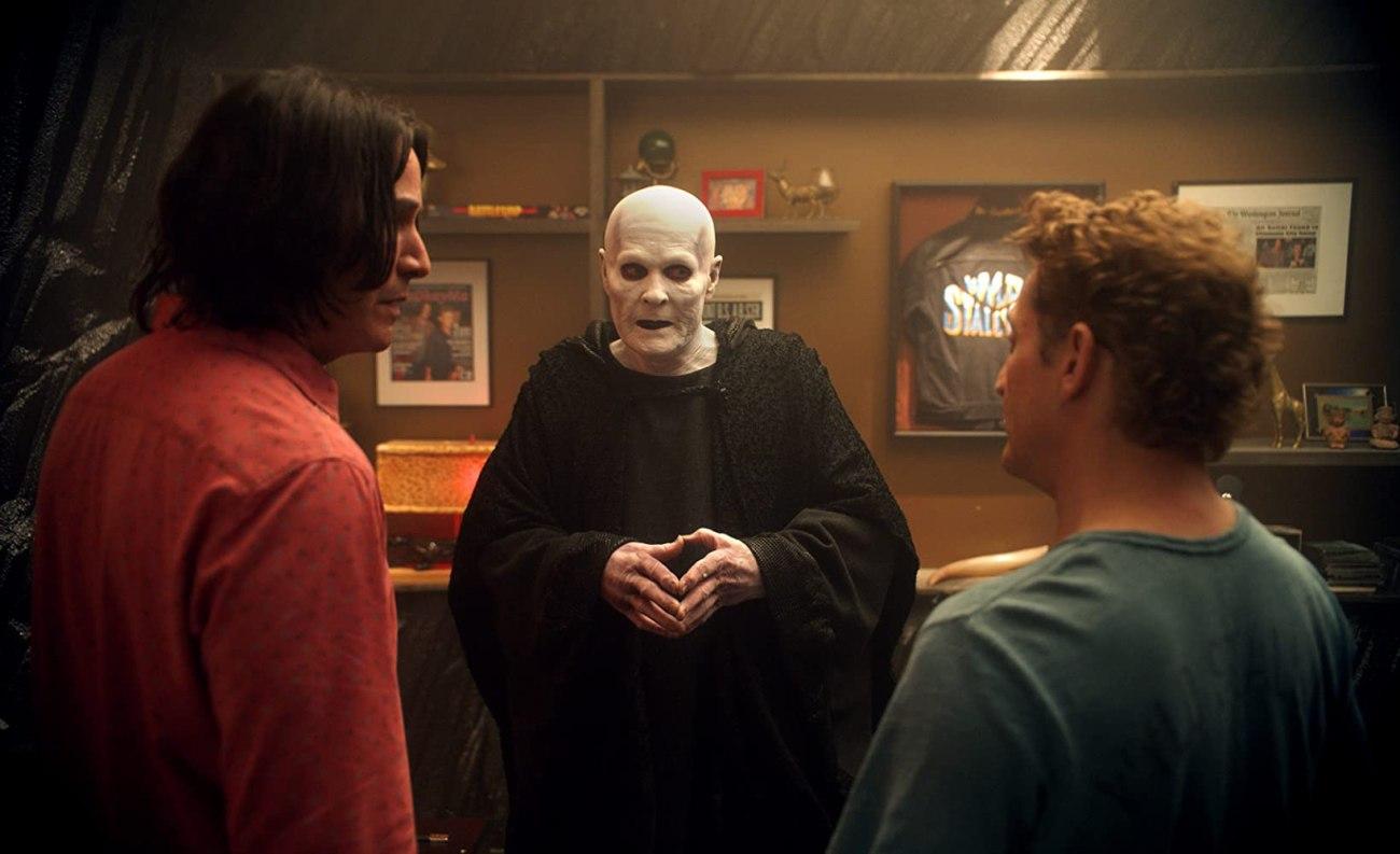 "Keanu Reeves como Ted ""Theodore"" Logan, William Sadler como The Grim Reaper y Alex Winter como  William ""Bill"" S. Preston Esquire en Bill & Ted Face the Music (2020). Imagen: IMDb.com"
