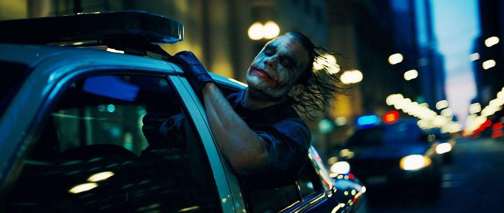 Heath Ledger (1979-2008) como The Joker en The Dark Knight (2008). Imagen: DC Comics/Warner Bros. Entertainment