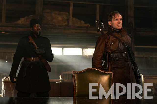 Shola (Djimon Hounsou) y el Duque de Oxford (Ralph Fiennes) en The King's Man (2020). Imagen: Empire Magazine