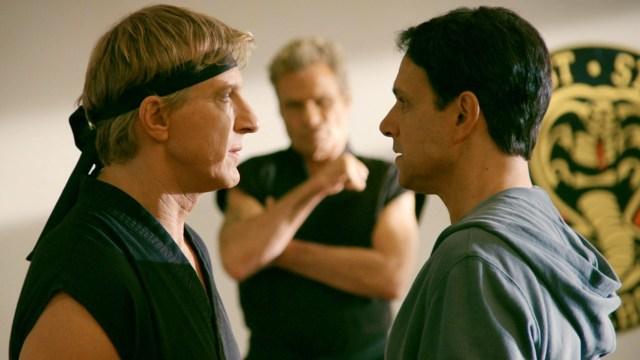 La rivalidad de Johnny Lawrence (William Zabka) y Daniel LaRusso (Ralph Macchio) continúa en Cobra Kai. Imagen: popzara.com