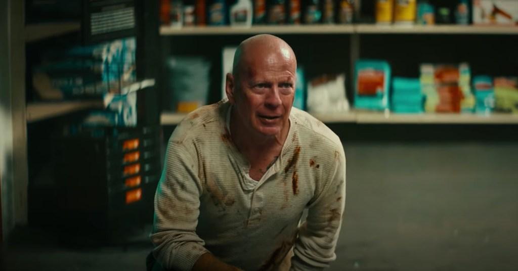Bruce Willis como John McClane en el anuncio de DieHard y Advance Auto Parts. Imagen: Advance Auto Parts/YouTube