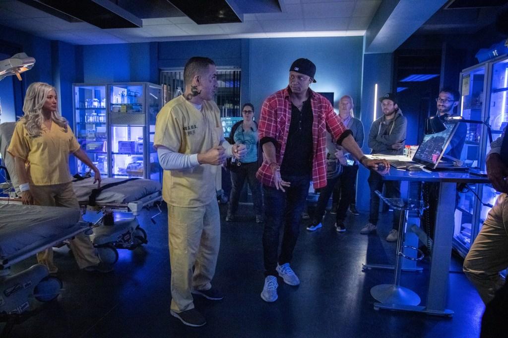 David Ramsey dirigiendo Past Sins, el episodio 711 (2019) de Arrow (2012-2020). Imagen: Jack Rowand/The CW