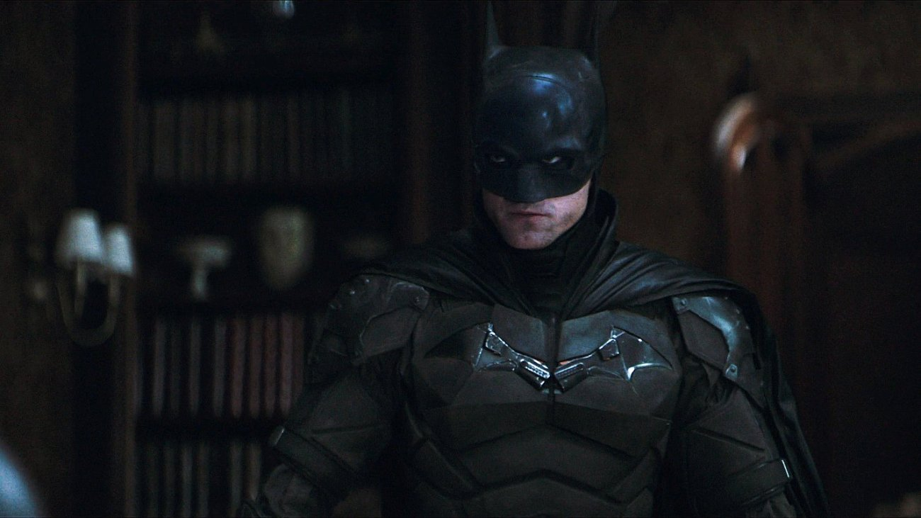 Robert Pattinson como Batman/Bruce Wayne en The Batman (2022). Imagen: IMDb.com