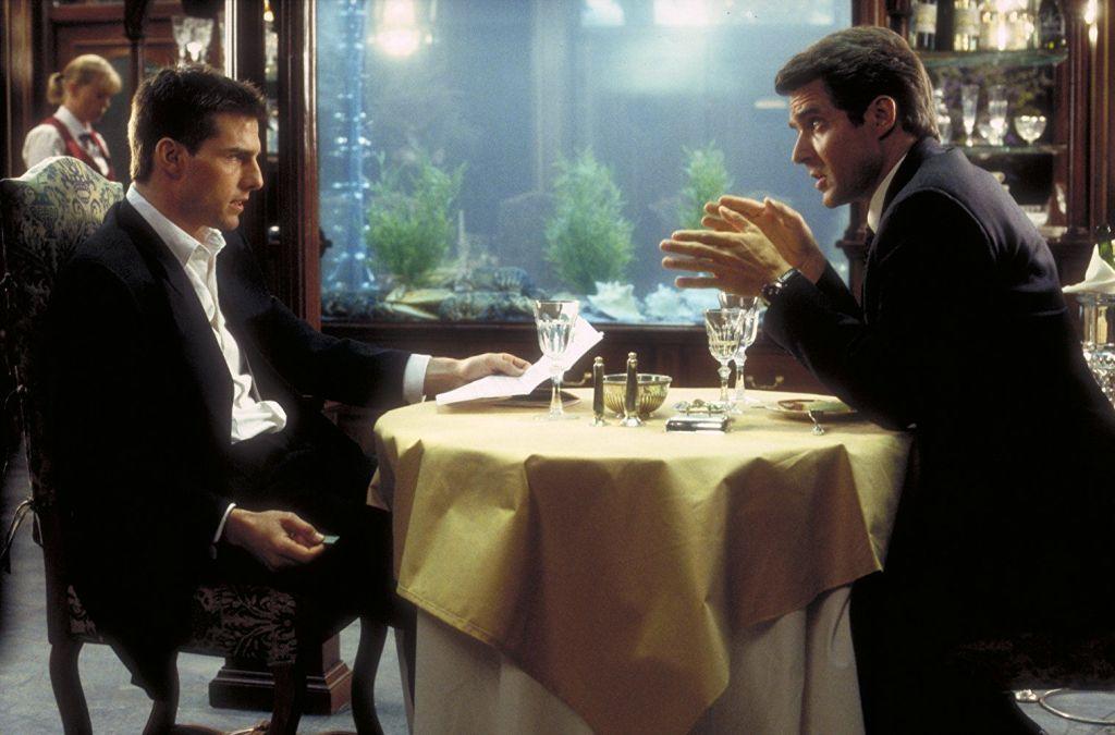 Ethan Hunt (Tom Cruise) y Eugene Kittridge (Henry Czerny) en Mission: Impossible (1996). Imagen: pinterest.com