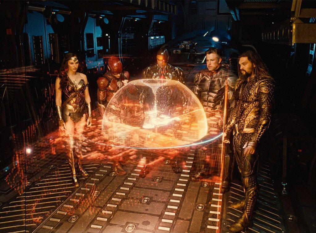 Wonder Woman (Gal Gadot), Flash (Ezra Miller), Cyborg (Ray Fisher), Batman (Ben Affleck) y Aquaman (Jason Momoa) en Zack Snyder's Justice League (2021). Imagen: Heroic Hollywood Twitter (@heroichollywood).